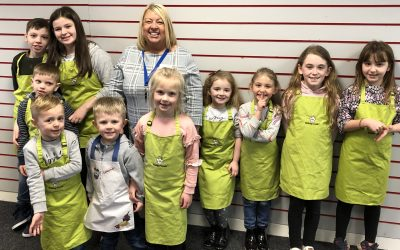 Schoolchildren get hands on with food as shopping centre promotes healthy eating
