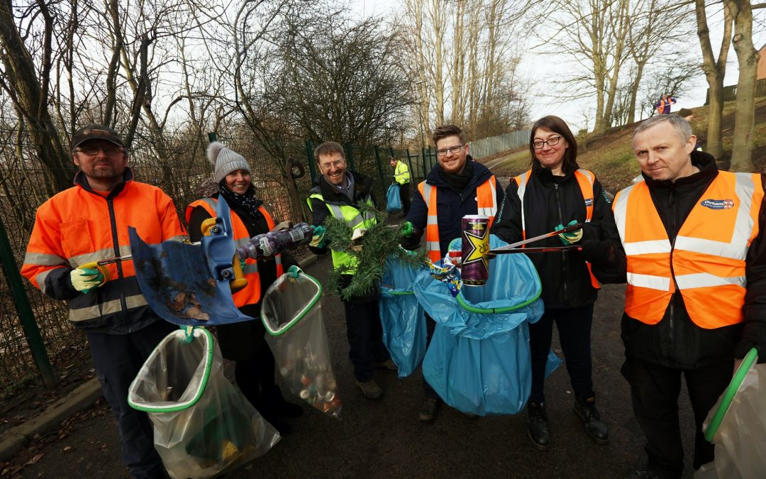 Over 3500 people take part in community clean up campaign