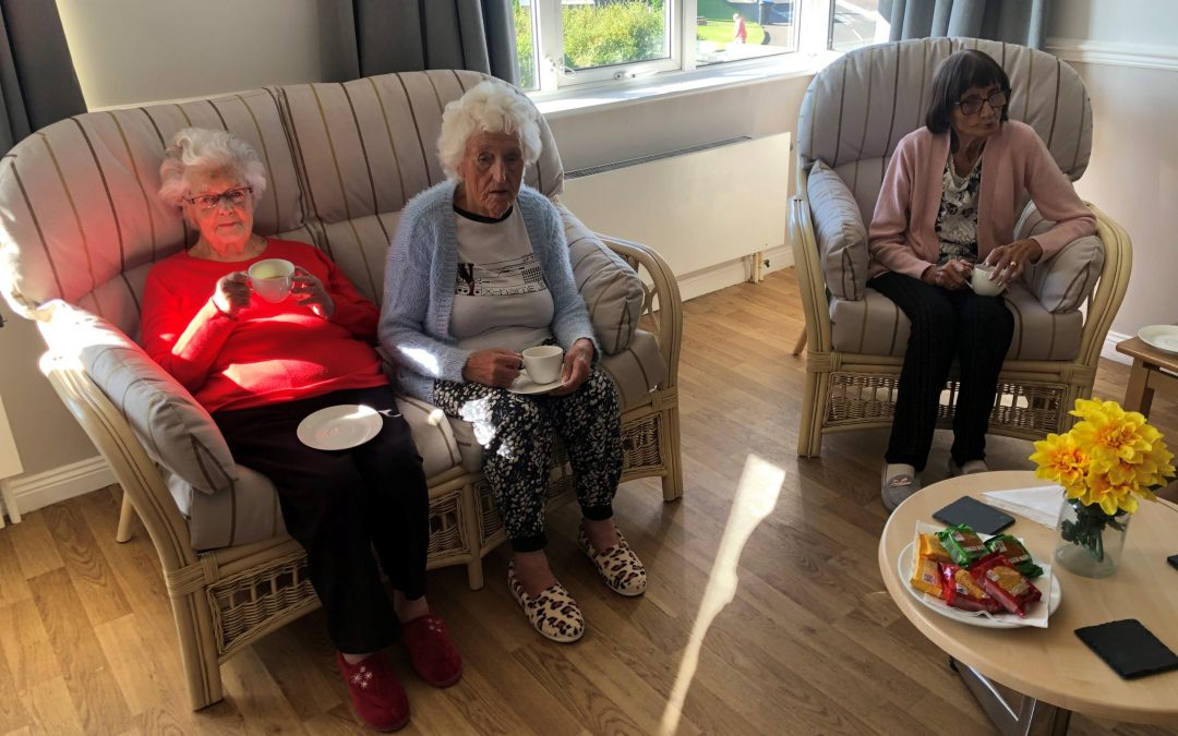 Manufacturer donates rattan suite to Peterlee care home to help tackle loneliness