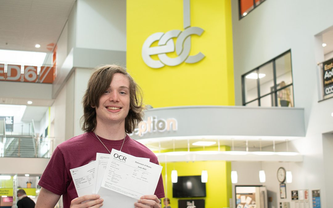 East Durham College students achieve 100% pass rate for 6th consecutive year